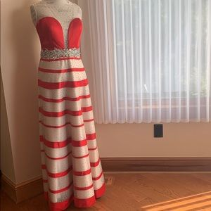 ♦️Angela & Alison Gown striped Prom dress